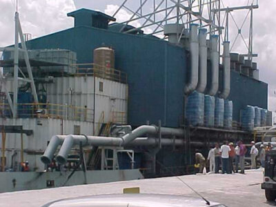 Discharging-the-5-unit-power-generators-at-Aratu-port