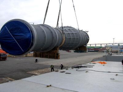 Embarque de lift-vans e várias partes de um incinerador embarcados na Korea 2