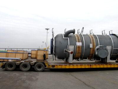 Embarque de lift-vans e várias partes de um incinerador embarcados na Korea 3