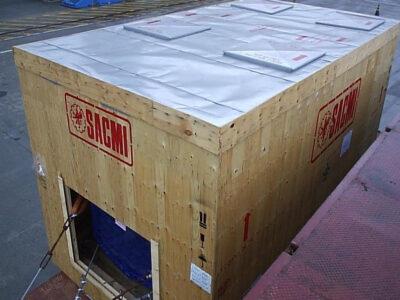 Transporte marítimo sobre MAFI de uma prensa para pisos cerâmicos desde a Itália para o Brasil